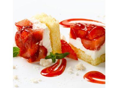 Erdbeer-Rahmschnitte, 6 x 18 Stück vorgeschnitten