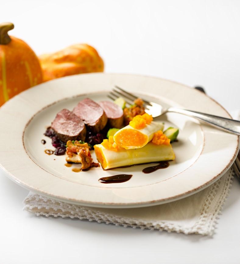 recette filets de selle de chevreuil avec cannellonis la courge. Black Bedroom Furniture Sets. Home Design Ideas